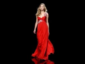 abito-lungo-rosso